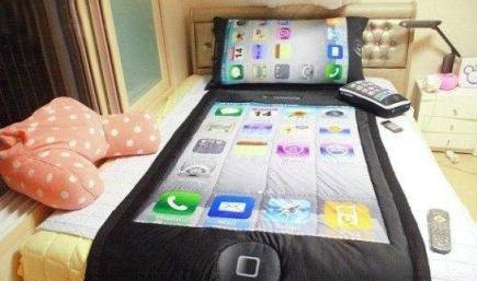Sleeping With A Smartphone The Iphone 3 Piece Bedding Set