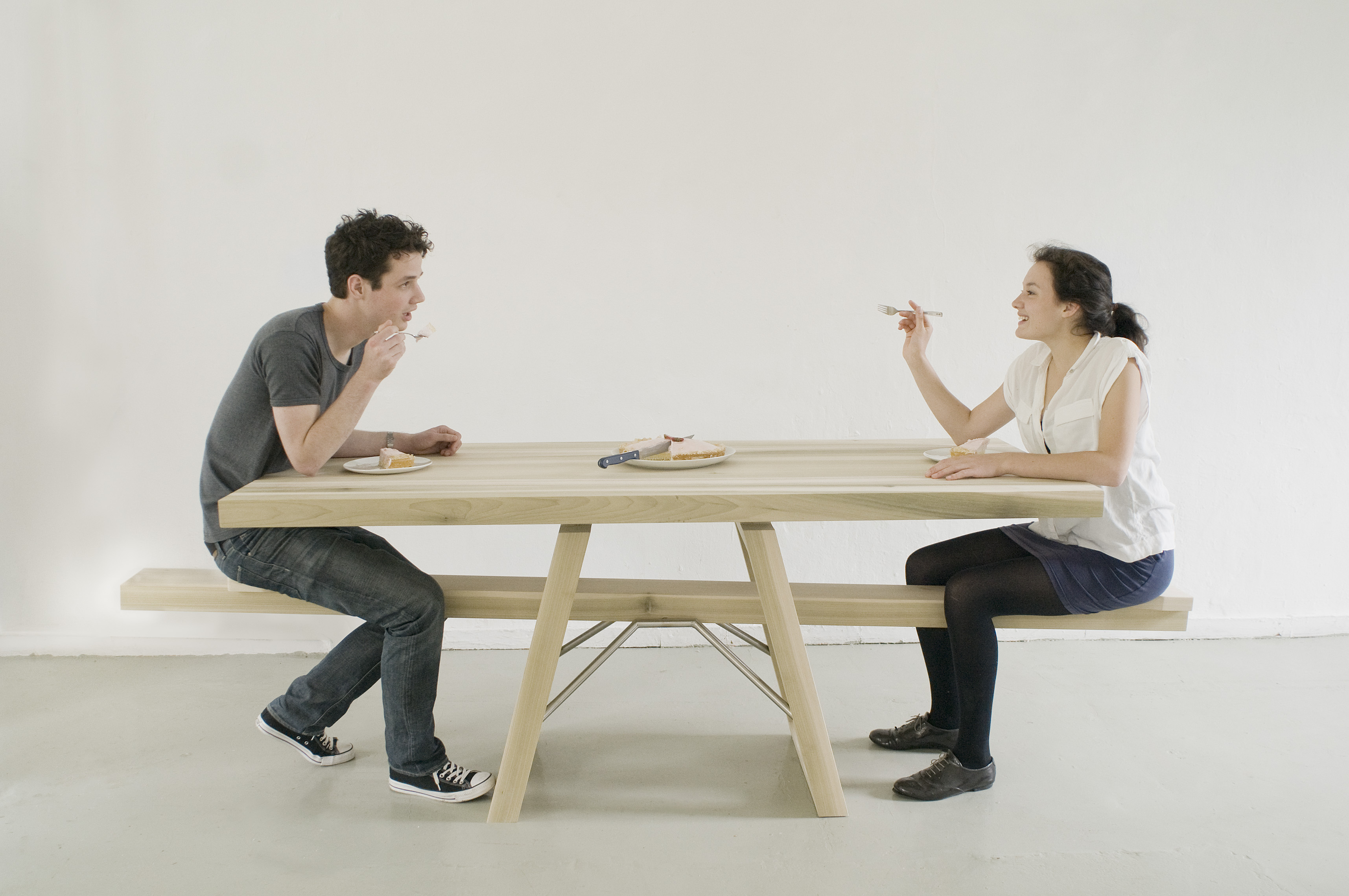 Want to ride a seesaw again then sit down at this table for Table une personne