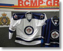 Winnipeg Jets &#039;Jerseygate&#039; Shines Spotlight on Chinese Counterfeit Clothing