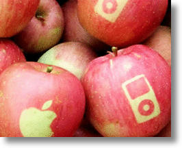 Japanese Mac Addict Grows Branded Apples