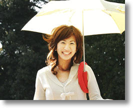 Umbrella Shoulder Mount Frees Your Hands, Keeps You Dry