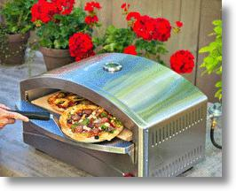 Backyard pizza oven that delivers old-world taste