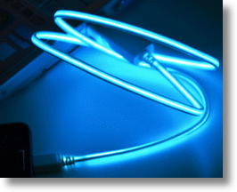 Dexim Visible-G USB Cable Glows When Current Flows