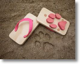 Animal Footprint Beach Sandals Make Walkers Paws