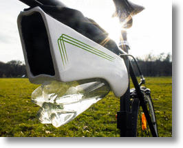 Fontus Bicycle Water Bottle System Collects & Condenses Moisture From The Air