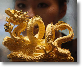 Year of the Dragon Ready to Roar with 2012-shaped Solid Gold Statue