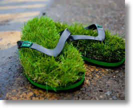 Kusa Flip Flops Have Grassy Soles, Never Need Watering