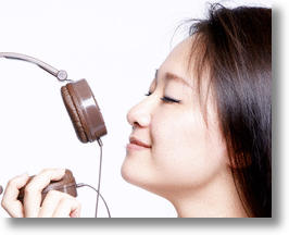 Sweet Music: Chocolate Scented Headphones for Valentine's Day