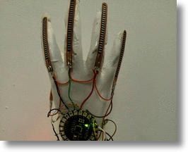 Smart glove prototype via Hadeel Ayoub​ on Tumblr