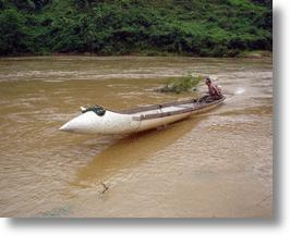 Vietnamese Speedboats Made From Salvaged USAF Fighter Jet Fuel Tanks Are The Bomb!