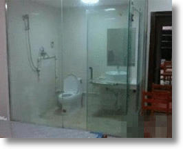 Transparent Bathrooms All The Rage At Chinese College