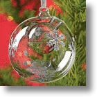 Want Your Artificial Tree To Smell Real? Use An Essential Oil Ornament