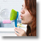The Bubble Scrubber Makes Dishwashing Less Tedious