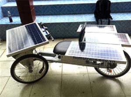Solar vehicle created by students at HCM City University of Transport in Viêt Nam: image via Viêt Nam News