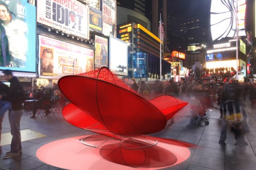 &#039;Light Hearted&#039; interactive heart, Times Square Feb. 10 - 20, 2011: Courtesy of Freecell via ArchDaily.com