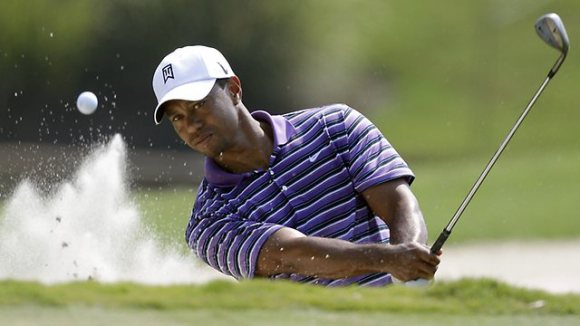 tiger woods takes on japan u0026 39 s best female golfers in 9