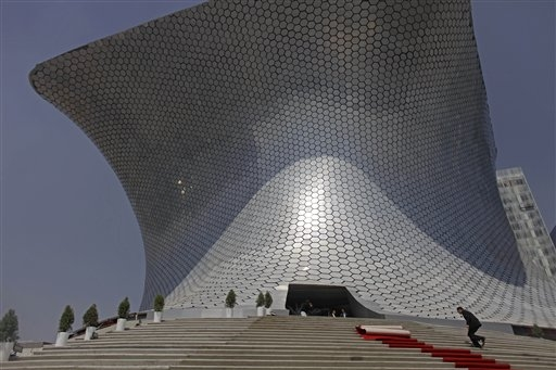 Museo Soumaya: a gift to Mexico City from the world's richest person: © Associated Press via npr.org