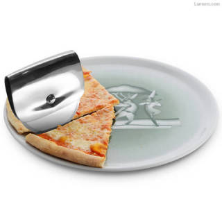Taio Pizza Wheel By Valerio Sommella for Alessi
