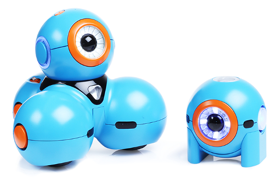 Play-i's gadgets exist in two flavors: the larger, fully-mobile Bo and the smaller, stationary Yana.