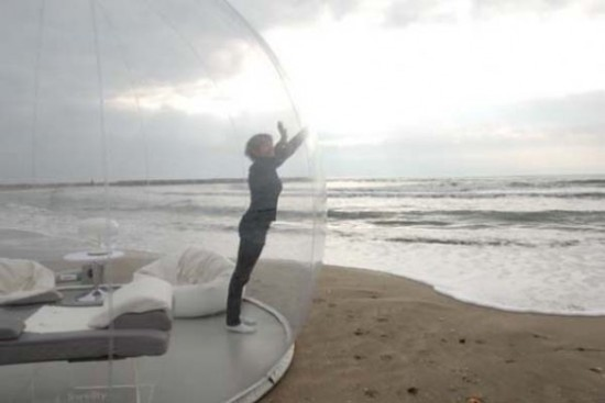 Bubble Hut Crystal Bubble: © BubbleTree, image via homedit.com
