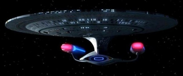 The Enterprise D from Star Trek: The Next Generation.  Big disc?  You bet!