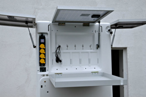 Close up of the Mobile Charging Kiosk: Mobile charging kiosks can save people time & money