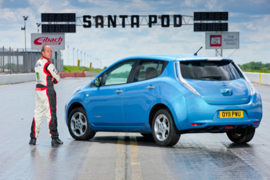 According To Nissan, Putting The Pedal To The Medal Will Propel The  Innovative Electric Car To Its 140 Km/h (87 Mph) Top Speed Whether The Gear  Selectoru0027s ...