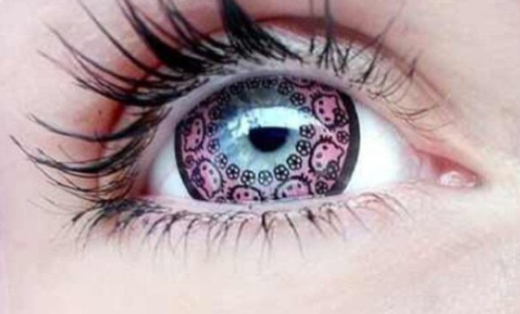 weirder product hit teenage girls color contacts intricate kitty design