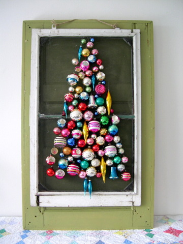 Screen Door Christmas Tree