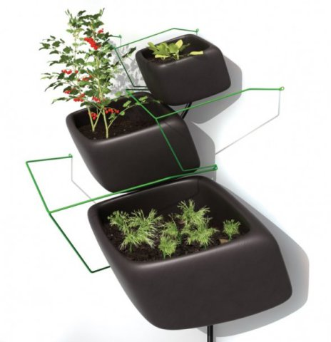 Wallflower Vertical Garden modular system holds three container sizes: © Haldane Martin