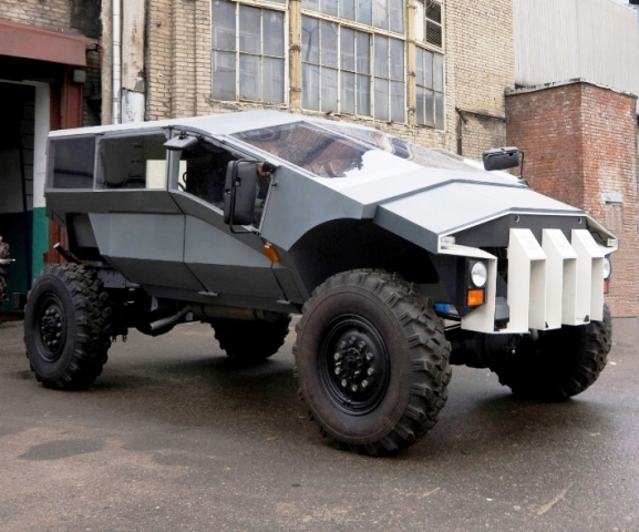 this bizarre concept jeep from zil just might be russia 39 s new humvee. Black Bedroom Furniture Sets. Home Design Ideas