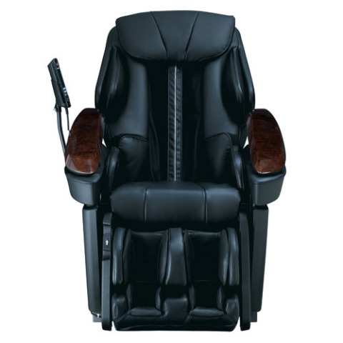 Lift the padding and tuck in the ottoman and you can let the Real Pro Ultra Massage Chair do the rest.: © Panasonic