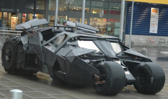 Batmobile in Dark Knight: image via furiousfanboys.com