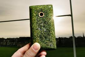 Design Works Grass iPhone: Source: dailyStar.co.uk