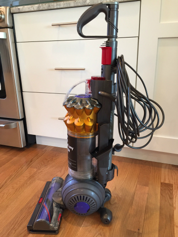 Small But Powerful Dyson Small Ball Vacuum Cleaner Review