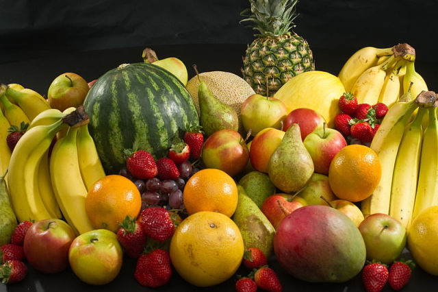 Fresh fruit: these fruit could potentially be preserved using only blue light and taking advantage of their natural acidity. Photo by Bill Ebbesen.