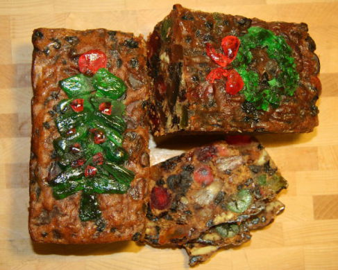 Traditional Christmas Fruitcake (Photo by Jonathunder/Creative Commons via Wikimedia)