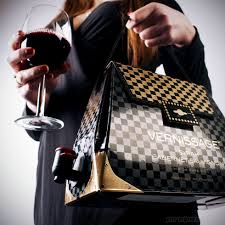 The Wine Handbag: a glass half fulll approach
