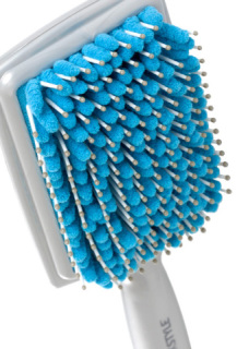 Towel Dry and Detangle Your Hair