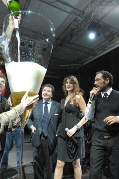 World's Largest Champagne Glass