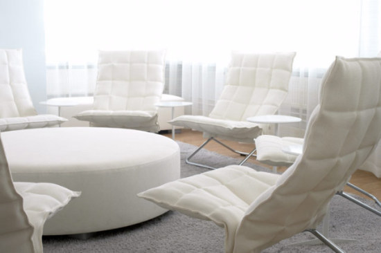 Woodnotes chairs, cushion bench, draperies, and carpet are all made from paper yarn: ©Woodnotes