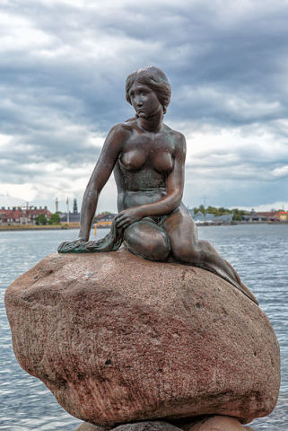 (The Little Mermaid Statue image by Wikipedia Commons)