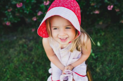 Little Girl's Dress and Hat: Source: Localterror