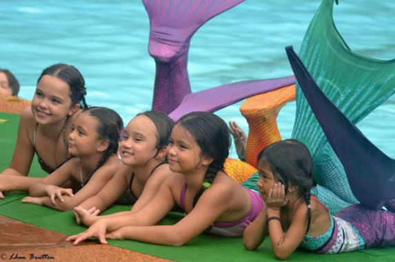 Philippines Mermaid Swimming Academy (Image via Facebook)