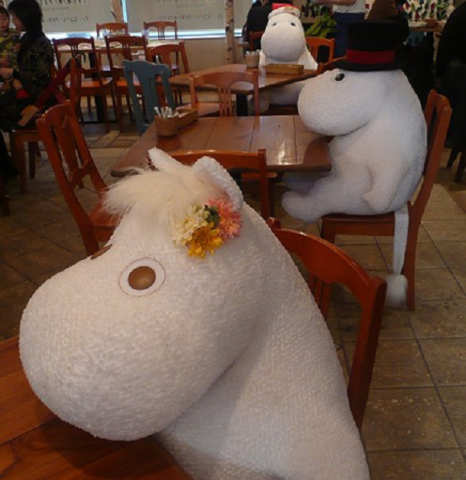 Moomin Cafe With Snork Maiden, Momminpapa, and Moomintroll  (Image via Rocket News 24)