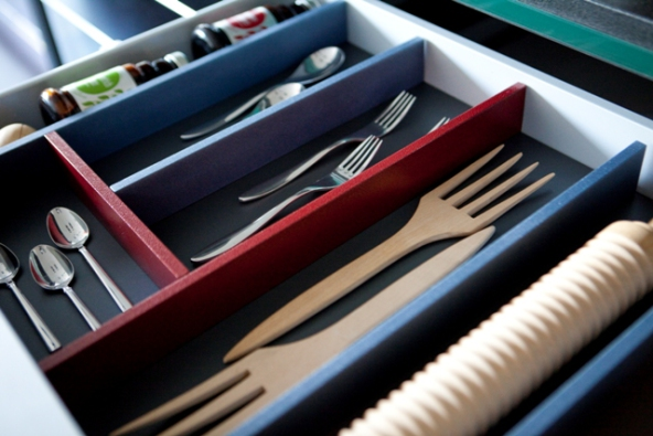 Minipulate your drawer space in style