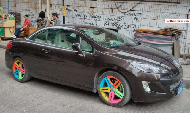 Multicolored Alloy Wheels Are A New Trend With No Traction