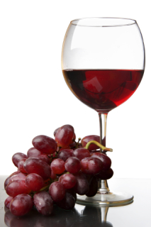 Red Wine: It May Stain Your Teeth But It Fights Cavities: image via acspressblog.com