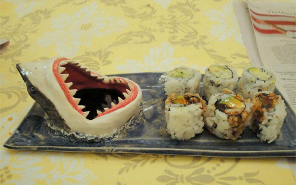 Shark Sushi Plate (Image via Incredible Things)