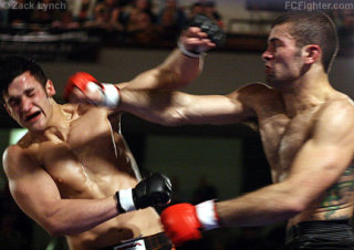 Boxers, among other athletes may suffer severe head injuries: image via ysc87.xomba.com